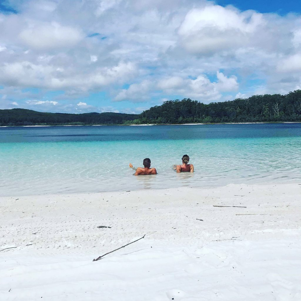 Fraser-Island-Lake-McKenzie-Travel